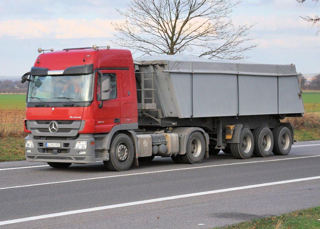 camion transport pavaj